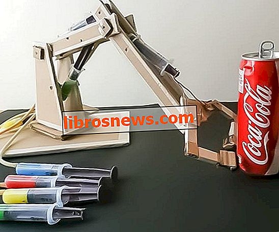 CARDBOARD Hydraulischer Roboterarm