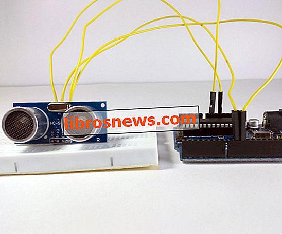 Sensore ad ultrasuoni di interfacciamento con Arduino