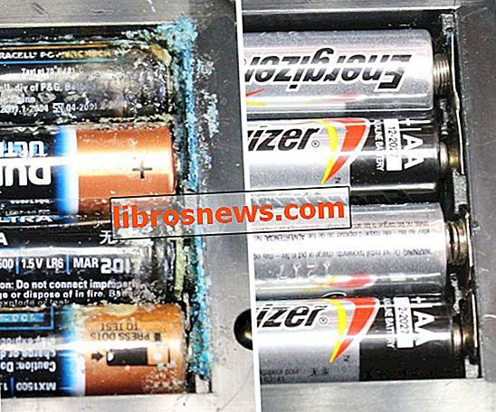 Cómo reparar terminales de batería corroídos