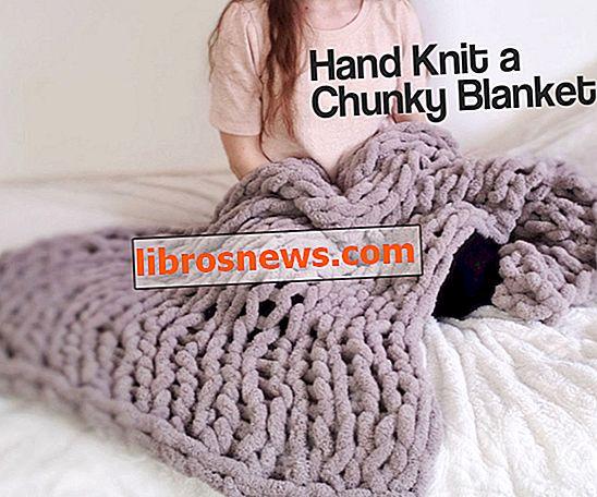 Einfache klobige handgestrickte Decke in einer Stunde