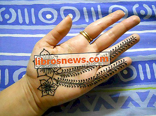 Bagaimana Melakukan Desain Henna untuk Pemula