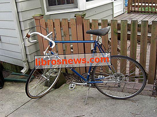 Fahrradreifen und Schlauch auf einem Rennrad ersetzen